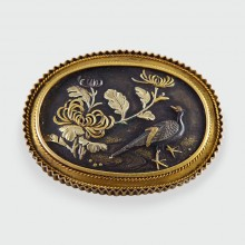 SOLD Beautiful Victorian Japanese Shakudo Bird Brooch in 15ct Gold