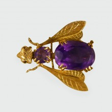 SOLD Vintage Amethyst Fly Brooch set in 18ct Yellow Gold