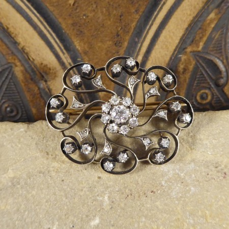 Late Victorian 1.10ct Total Diamond Flower Cluster Brooch in Yellow Gold and Silver