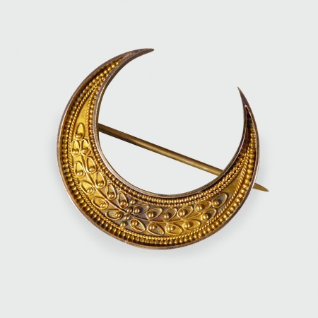 Antique Victorian Etruscan Crescent Brooch in 15ct Yellow Gold in Fitted Box