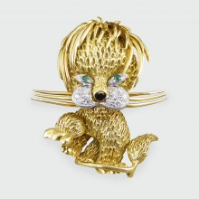 Vintage 18ct Yellow Gold Diamond and Emerald set Lion Brooch
