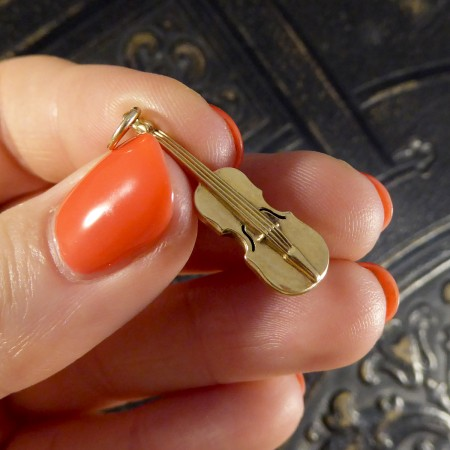 SOLD Vintage 9ct Yellow Gold Tiny Violin Charm