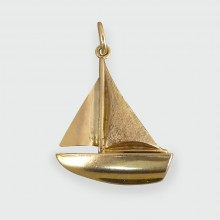 SOLD Vintage Boat Sailing Charm in 9ct Gold