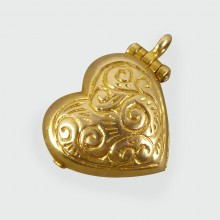 SOLD Vintage Heart Charm in 9ct Gold opening to reveal a couple embracing