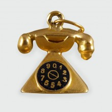 Vintage Telephone Charm in 18ct Gold