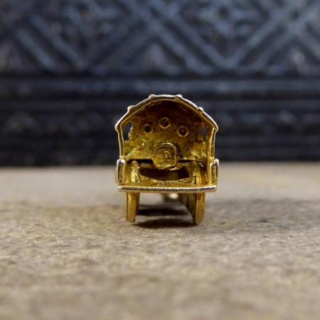 Vintage Train Charm in 9ct Yellow Gold