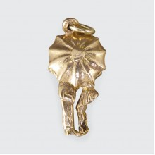 SOLD Vintage Unique Opening Umbrella Kiss in 9ct Yellow Gold