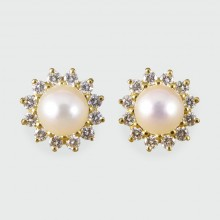 Contemporary Diamond and Pearl Cluster Earrings in 18ct Gold