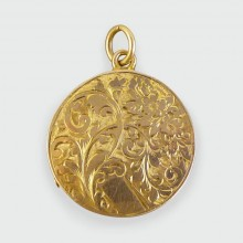SOLD Edwardian Engraved Circular Locket in 15ct Gold