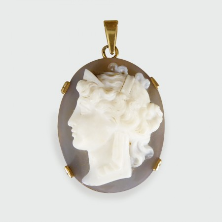 Edwardian French Marked Hard Stone Cameo Pendant in Gold