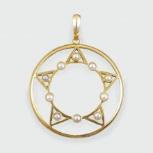 SOLD Edwardian Pearl Star Pendant in 15ct Gold