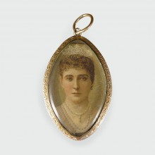 Antique Early Victorian Miniature Double Sided Portrait Pendant in 9ct Gold