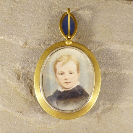 Antique Victorian Carved Wedgewood Cameo Locket Pendant in 18ct Yellow Gold