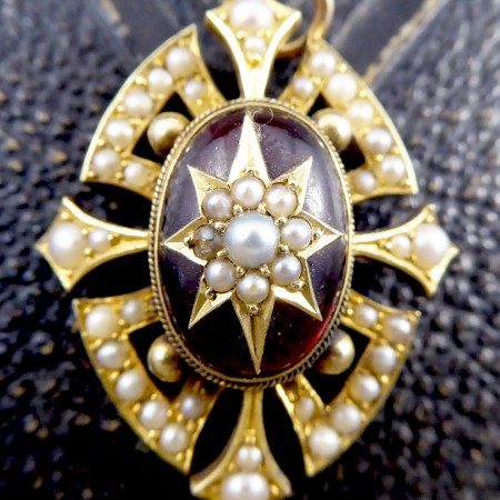 Victorian Cabochon Garnet and Seed Pearl Pendant in 15ct Yellow Gold