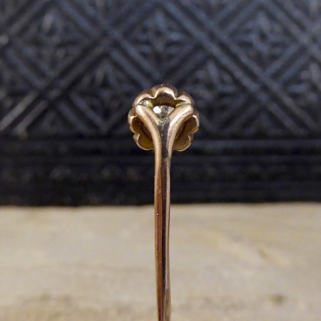 Antique Victorian 0.41ct Diamond Claw Set Pin in 9ct Yellow Gold