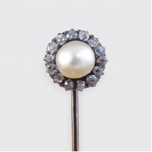 Victorian Detachable Screw Back Pearl and Diamond Cluster Stick Pin in 14ct Yellow Gold