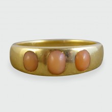Victorian Coral Three Stone Band in 18ct Gold