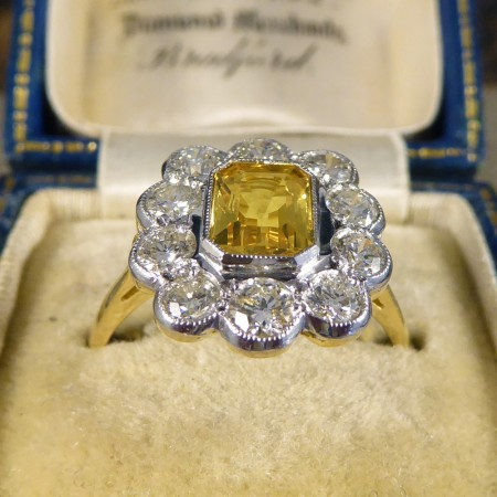 16e58e7d3730a Vintage Yellow Sapphire and Diamond Cluster Ring in 18ct Gold