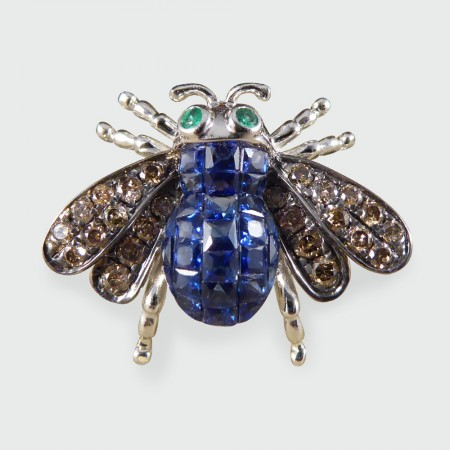 Contemporary Sapphire, Emerald and Diamond Bee Ring in 18ct White Gold