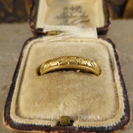 Decorative Charles Green And Son 18ct Yellow Gold Wedding Band