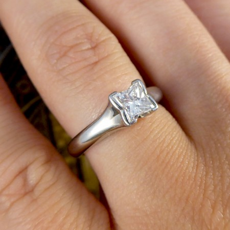 Boodles Contemporary Princess Cut 0.70ct Diamond Solitaire Engagement Ring in Platinum