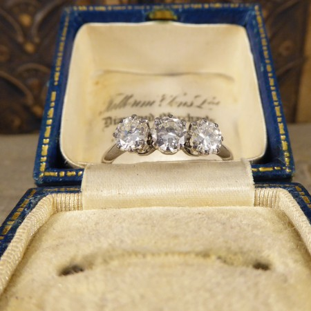 1930's 1.20ct total Diamond Three Stone Ring in 18ct White Gold and Platinum