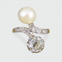 Late Victorian Natural Pearl and Diamond Toi Et Moi Ring in 18ct Gold