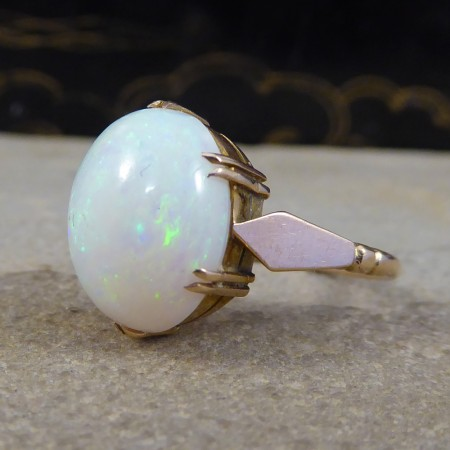 Edwardian Single Cabochon Oval Opal Ring in 9ct Yellow Gold