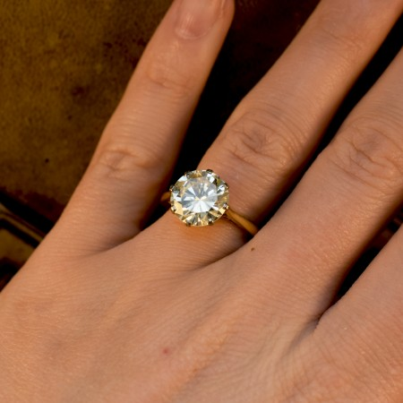 4.06ct Brilliant Cut Diamond Solitaire Engagement Ring in 18ct Yellow Gold