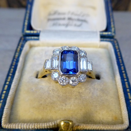 Contemporary Art Deco Style Velvet Blue Sapphire and Diamond Ring in 18ct Yellow Gold
