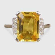3.70ct Yellow Sapphire Ring with Diamond Shoulders in Platinum