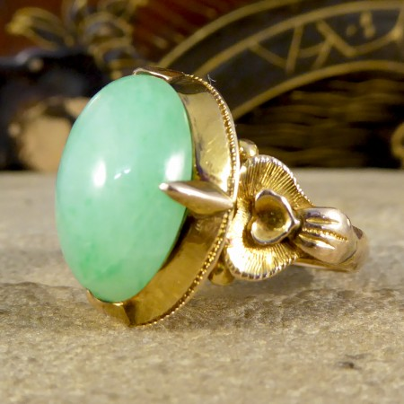 Vintage Oval Jade Ring in 14ct Yellow Gold with Decorative Shoulders
