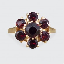 Vintage Garnet Flower Cluster Ring set in 9ct Yellow Gold